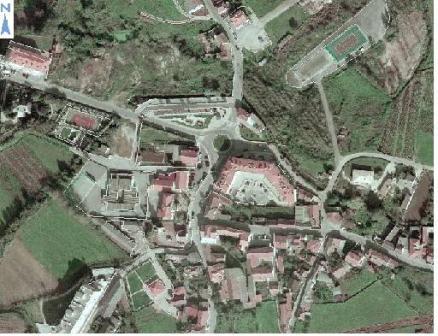 Vista aérea do centro cívico de Aguada de Cima.