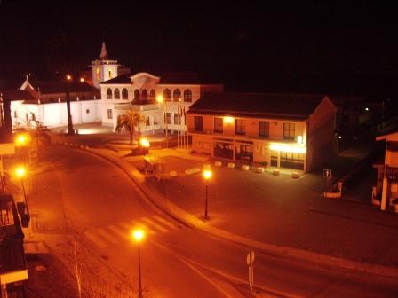 Vista nocturna da praça Santa Eulália.